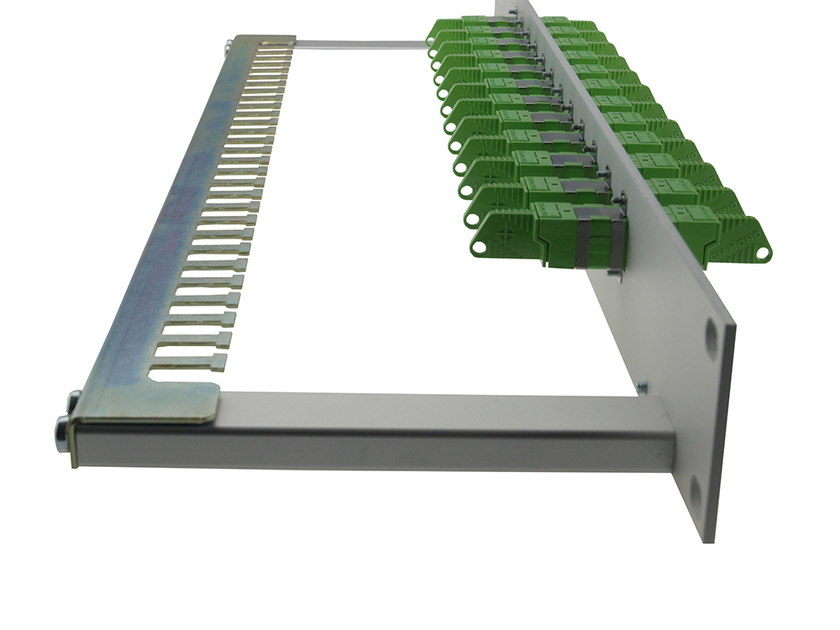 Patchpanel 1HE seitlich